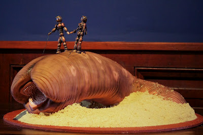 Sandworm Cake